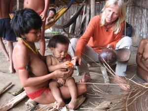 13.Christina Haverkamp bei den Yanomami im Orinokogebiet - Kopie
